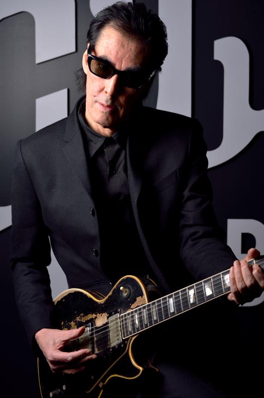 鮎川 誠 1948年、福岡県生まれ。シーナ&ロケッツで活躍するギタリス... 鮎川誠 meets